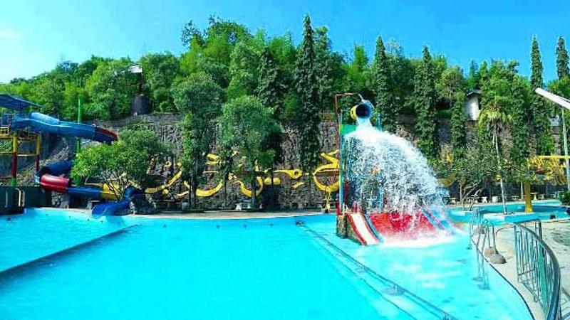 Wisata di Bukit Awan Waterpark
