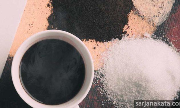 cara menghilangkan komedo dengan scrub kopi dan gula