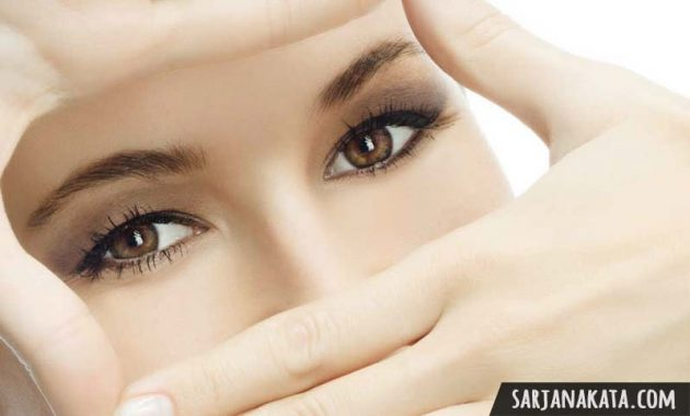 cara menghilangkan mata panda dengan minyak almond