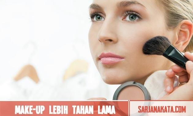 Membuat Make-Up Lebih Tahan Lama