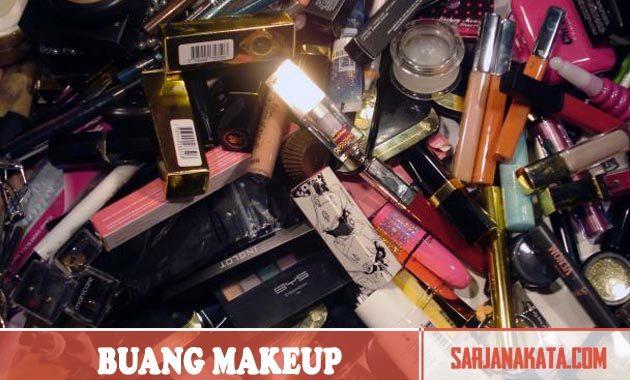 Membuang Makeup Lama