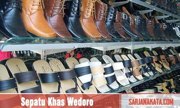 Sepatu Khas Wedoro